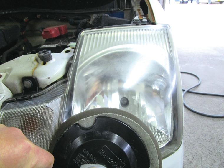 洗車メニュー クイックヘッドライトクリーニング